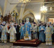 В праздник Иверской иконы Божией Матери Святейший Патриарх Кирилл совершил Литургию в Новодевичьем монастыре Москвы